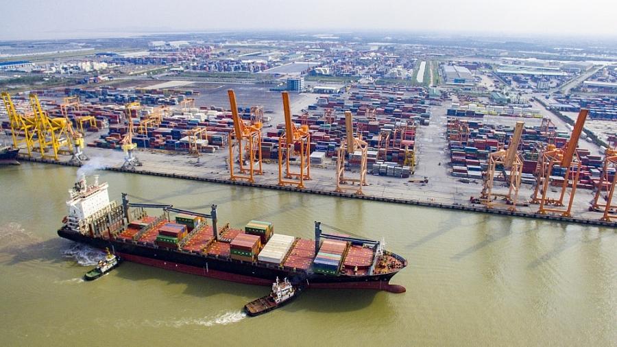 3955-tau-container-lon-nhat-cap-cang-hp-4-1