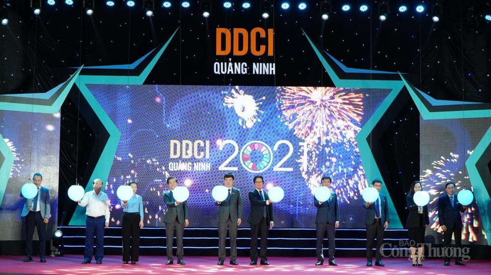 Các đại biểu Bấm nút khởi động DDCI Quảng Ninh 2021
