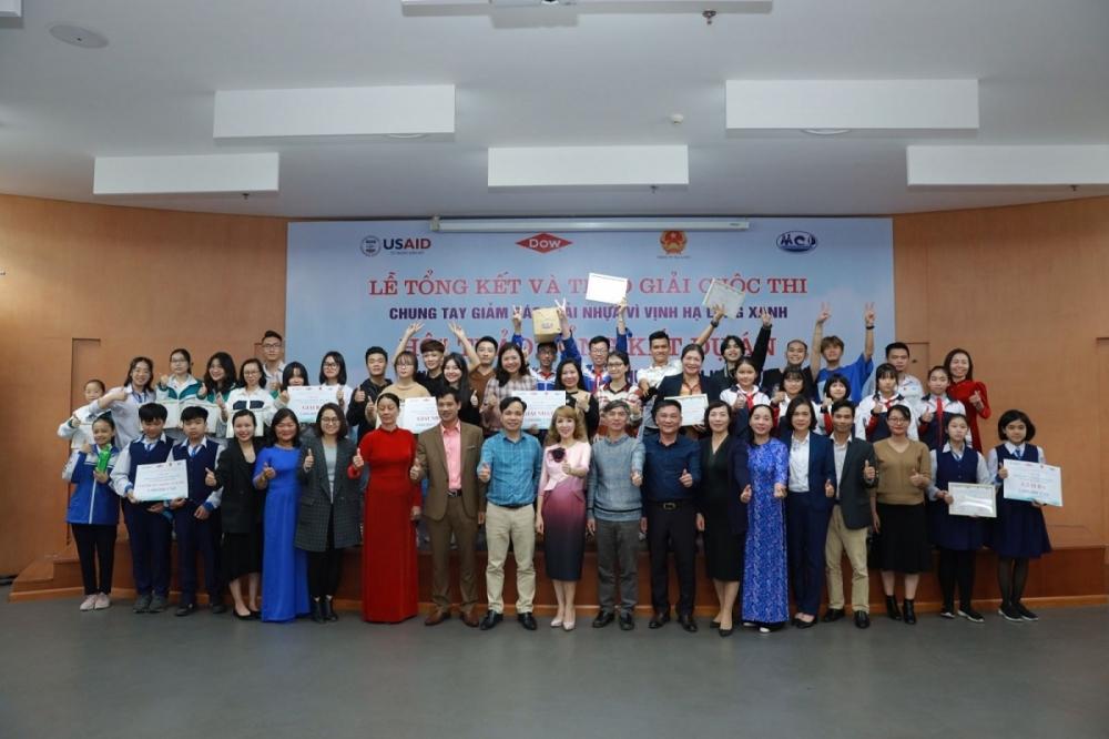 Đại biểu và 15 đội thi vòng chung kết