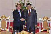 Thủ tướng Nguyễn Xuân Phúc đề nghị Lào tạo điều kiện thúc đẩy đầu tư của doanh nghiệp Việt Nam