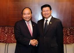Thủ tướng Nguyễn Xuân Phúc tiếp xúc song phương Thủ tướng Lào và Thái Lan