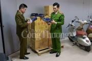 Quản lý thị trường Hà Nội thu giữ 700 cây thuốc lá ngoại nhập lậu
