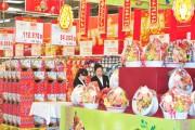 Thị trường quà biếu dịp Tết: Hàng nội chiếm ưu thế