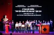 Trao giải thưởng sinh viên nghiên cứu khoa học năm 2016