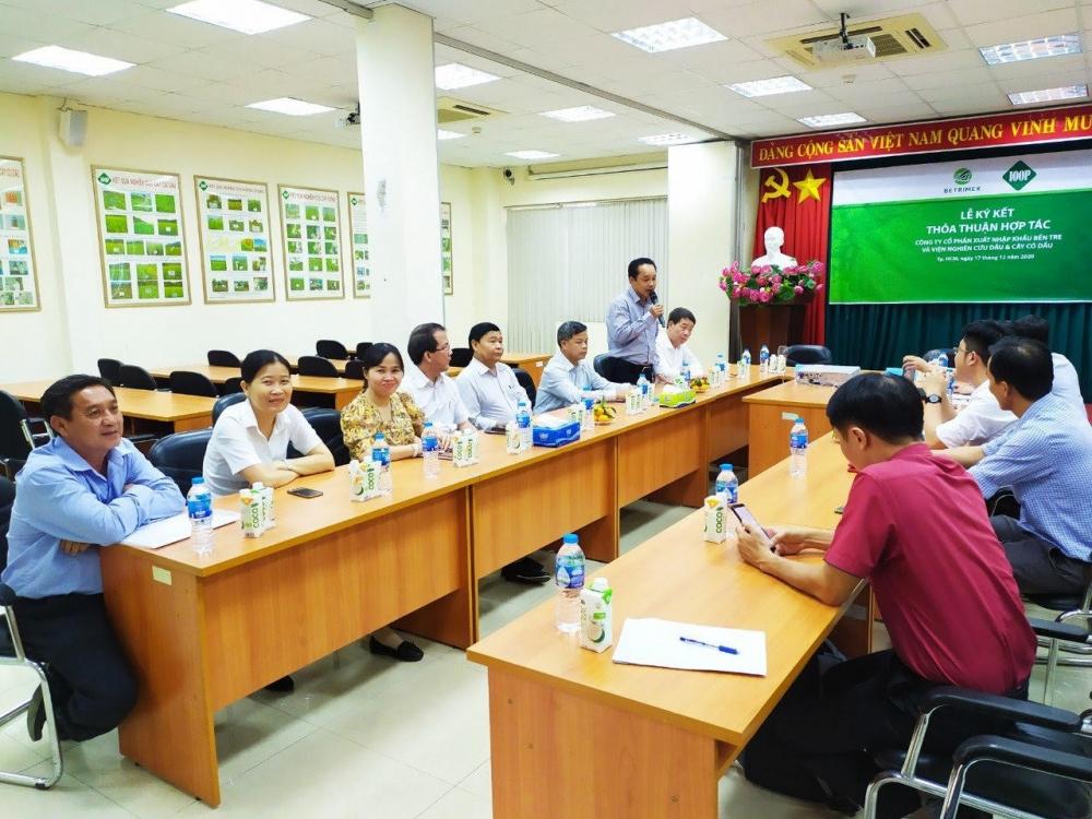 Viện nghiên cứu và doanh nghiệp hợp tác nâng cao giá trị sản phẩm dừa