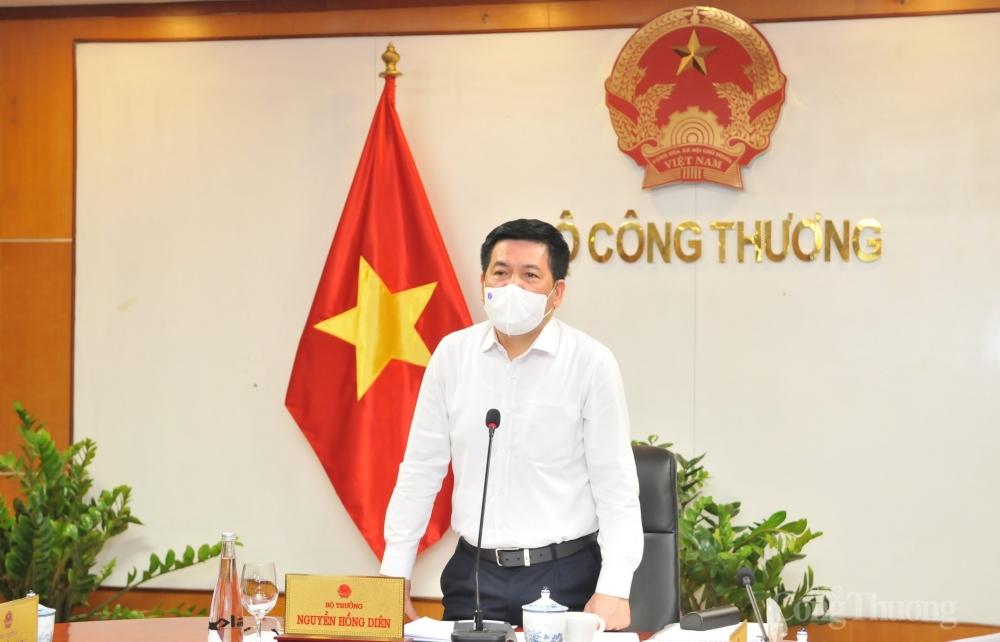 Bộ trưởng Bộ Công Thương Nguyễn Hồng Diên phát biểu