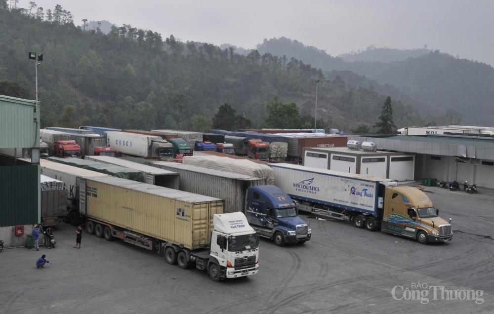 oạt động xuất nhập khẩu hàng hóa tại khu vực Cửa khẩu quốc tế Hữu Nghị - Lạng Sơn