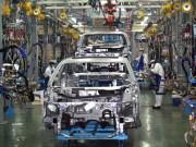 Sản xuất điện thoại, ô tô tăng mạnh