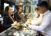 Giá vàng trong nước ít biến động, tỷ giá trung tâm giảm 6 đồng