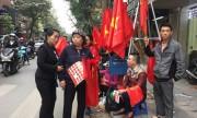 Áo, cờ cổ vũ U23 Việt Nam cháy hàng