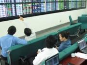 Cổ phiếu đầu cơ hút tiền, thị trường sôi động trở lại