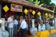 Chợ gốm Bát Tràng hoạt động trở lại