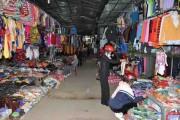 Thị trường quần áo ở nông thôn, miền núi: Tràn lan hàng xuất xứ từ Trung Quốc