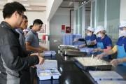 Các tổ chức công đoàn ở Nghệ An: Chú trọng bữa ăn công nhân
