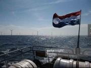 Tàu chạy hoàn toàn bằng điện từ năng lượng gió