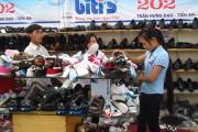 """Giày, dép Việt: Tăng cạnh tranh trên """"sân nhà"""""""