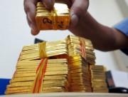 Giá vàng bật tăng trong 'cơn lốc' bán tháo