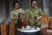 Nghệ An: 96 cơ sở kinh doanh rượu không rõ nguồn gốc bị kiểm tra xử lý