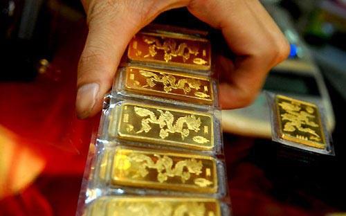 Phiên giao dịch sáng nay 12/4, giá vàng SJC bất ngờ tăng mạnh tới 140.000 đồng/lượng và vọt qua mốc 37 triệu đồng/lượng.