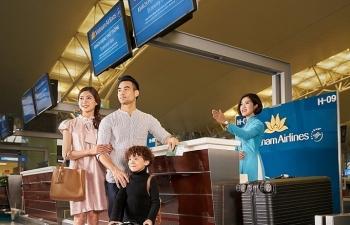 vietnam airlines va vinpearl de xuat tang 5000 ky nghi tron goi tri an luc luong y te tuyen dau