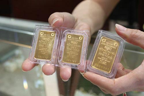 Sáng nay 19/5, giá vàng SJC đã đảo chiều giảm giá sau phiên tăng mạnh hôm qua. Các giao dịch tiếp tục kịch bản diễn ra cầm chừng ở mức thăm dò.