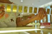 Vàng SJC lại đắt hơn thế giới cả triệu đồng