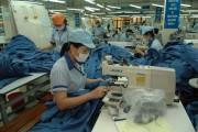 Xuất khẩu duy trì đà tăng, nhập siêu giảm