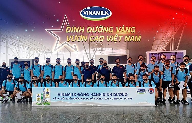Khoảnh khắc bàn thắng đầu tiên vỡ òa trên sân UAE, đền đáp xứng đáng cho những nỗ lực của các chàng trai vàng đội tuyển Việt Nam sau hiệp 1 quá căng thẳng