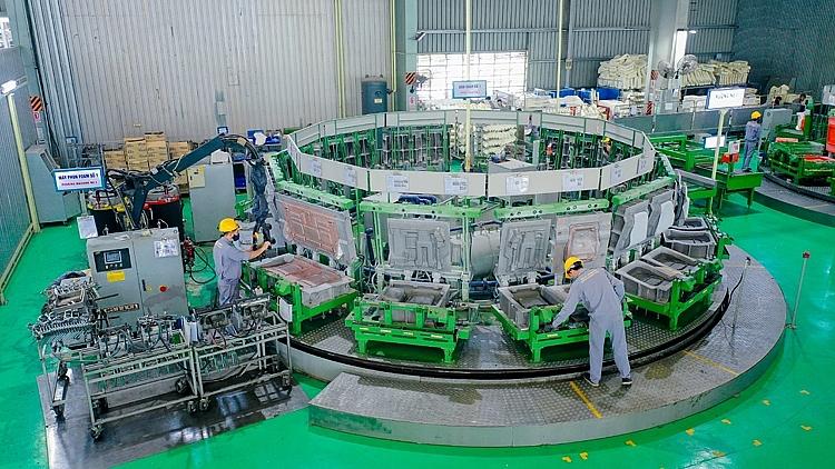 5. Máy phun foam - Nhà máy Ghế ô tô
