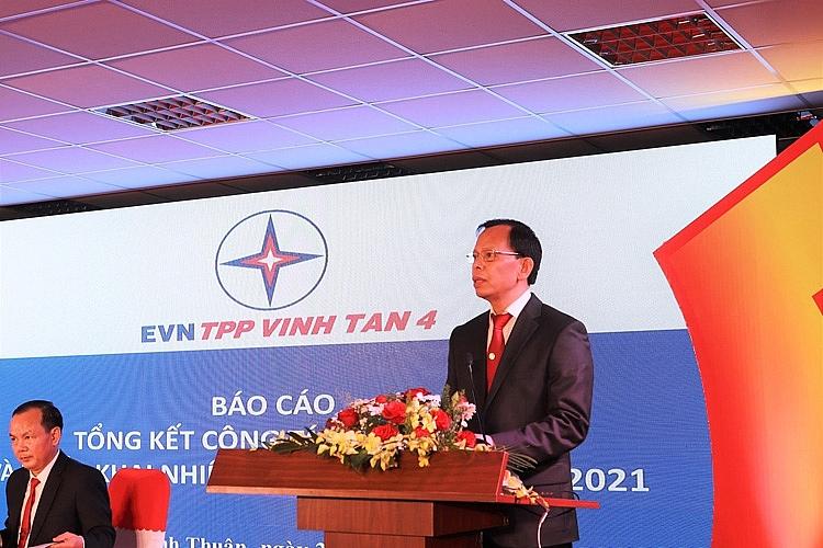 Ông Vũ Thanh Hải – Giám đốc Nhà máy Nhiệt điện Vĩnh Tân 4 phát biểu điều hành lễ tổng kết của nhà máy