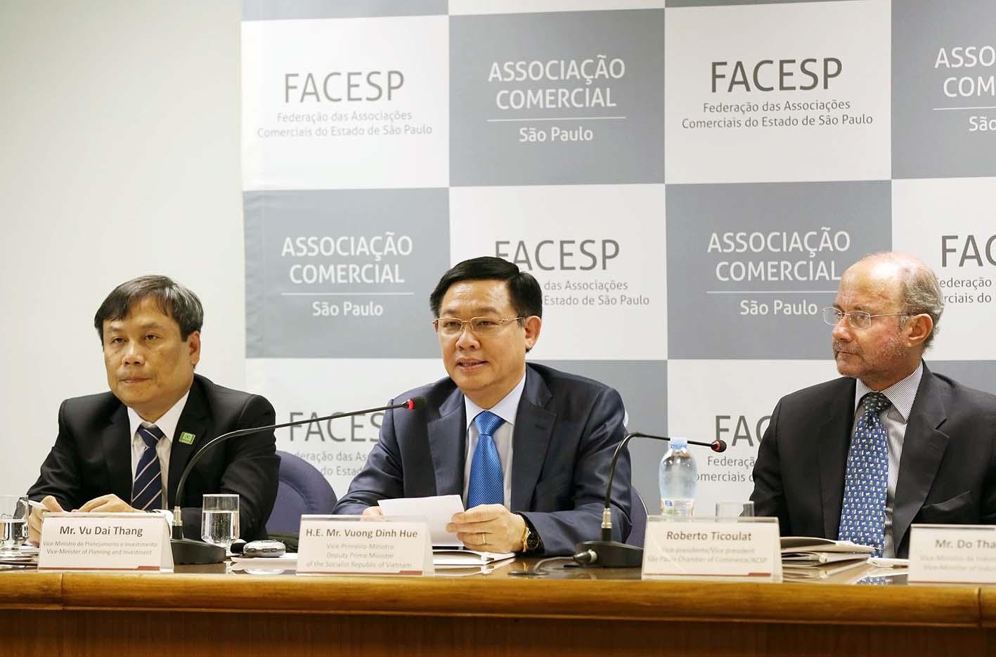 Phó Thủ tướng Vương Đình Huệ kêu gọi đầu tư thương mại tại trung tâm tài chính Nam Mỹ