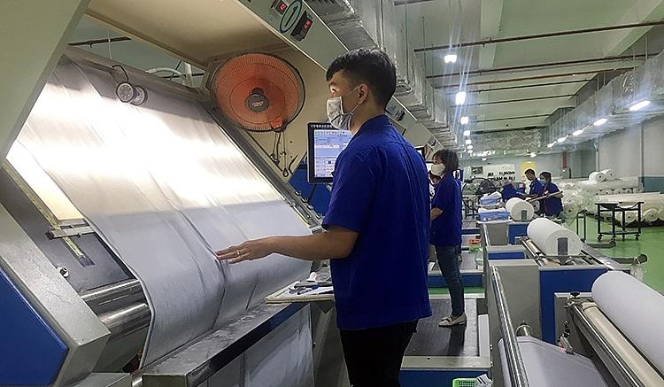 Ngành dệt may: Gồng mình duy trì sản xuất
