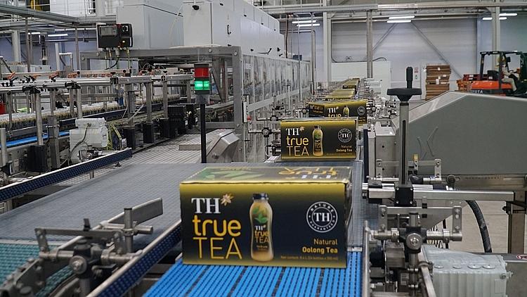 Sản phẩm TH true TEA được sản xuất trên dây chuyền hiện đại khép kín từ Đức, công nghệ chế biến và chiết rót vô trùng, toàn bộ quy trình chế biến đến đóng chai đảm bảo trong vòng 24 giờ