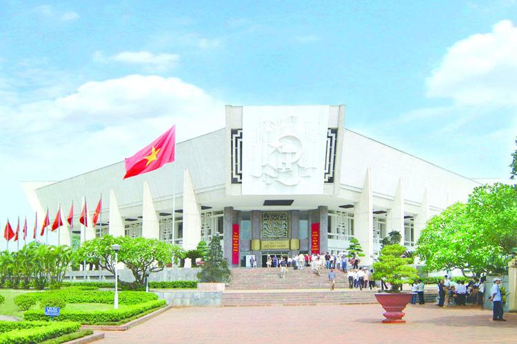 ผลการค้นหารูปภาพสำหรับ พิพิธภัณฑ์โฮจิมินห์ hanoi