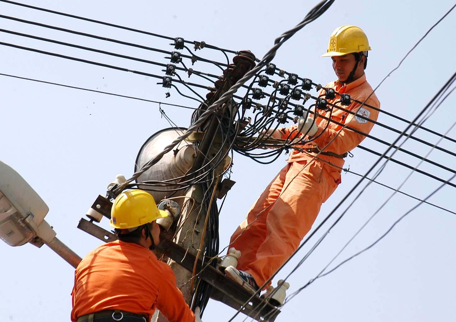 Giá điện bắt đâu tăng 6% từ ngày mai...