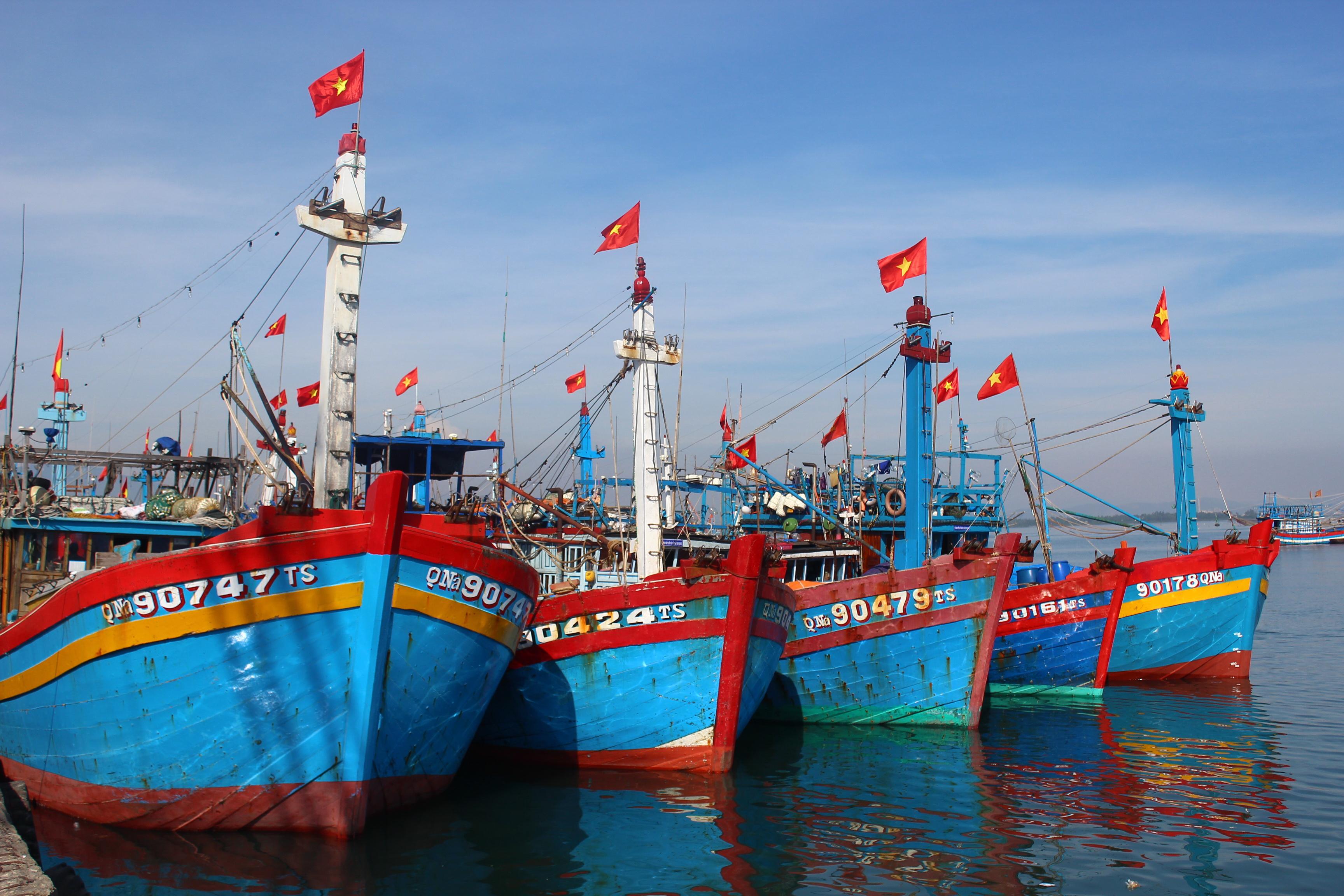 Kết quả hình ảnh cho Vay vốn đóng tàu theo Nghị định 67 được hỗ trợ lãi suất hết năm 2018