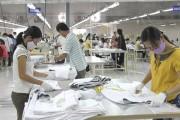 Quan tâm phổ biến luật cho người lao động