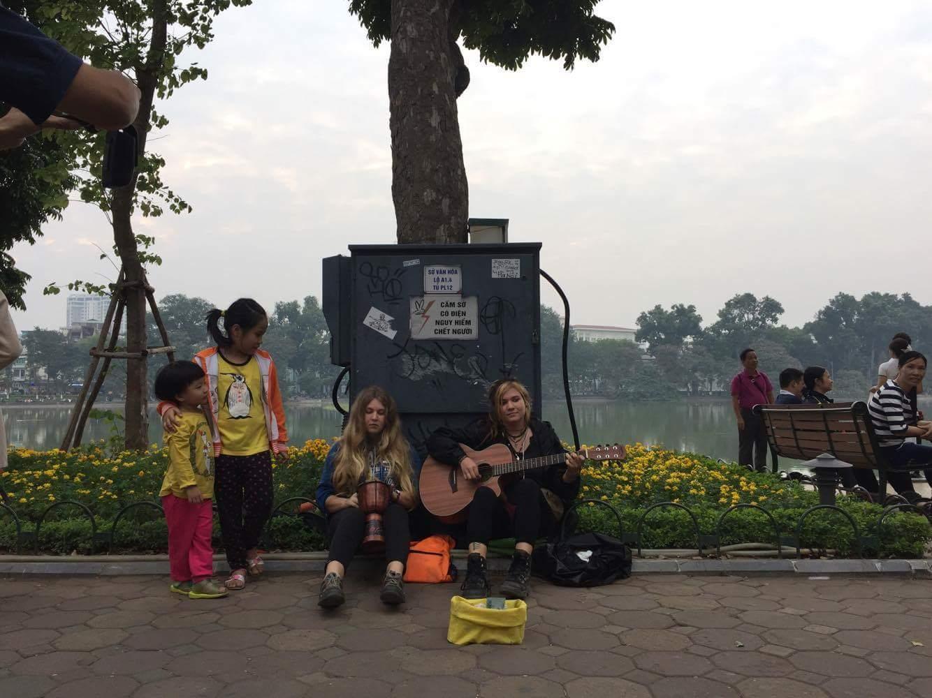 Tuyến phố đi bộ Hà Nội: Vui có nhưng lo cũng nhiều