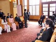 Thủ tướng Shinzo Abe gặp gỡ đại diện các trường Đại học