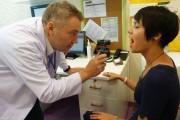 Khám chữa bệnh nhân đạo cho bà con ở Kon Plông