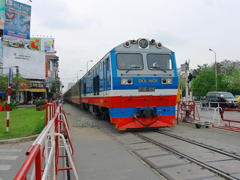 Mỗi năm Tổng công ty Đường sắt Việt Nam vẫn nhận của Nhà nước hơn 1.200 tỷ đồng tiền quản lý, bảo trì. Ảnh: Chí Cường