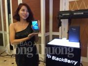 Điện thoại BlackBerry Priv màn hình cong giá 18,5 triệu