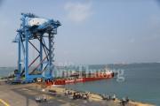 Doosan Vina xuất 2 cẩu trục RMQC – NSRP đến Cảng Nhà máy lọc dầu Nghi Sơn