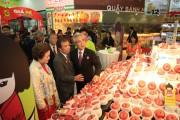Táo Aomori:  Đắt xắt ra miếng