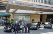 Mercedes-Benz bàn giao xe E-Class thế hệ mới cho khách sạn InterContinental Saigon