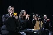 LG thực hiện màn hòa nhạc bằng rau củ