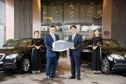 Mercedes-Benz bàn giao xe cho khách sạn InterContinental Hanoi Landmark72