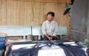 Trăm cảnh sát đột kích điểm trung chuyển thuốc lá lậu ở Sài Gòn