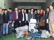 Ford Việt Nam trao tặng động cơ và hộp số cho sinh viên tại Hà Nội, Hưng Yên