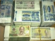 Bắt giữ, xử phạt nhiều đối tượng đổi tiền lẻ